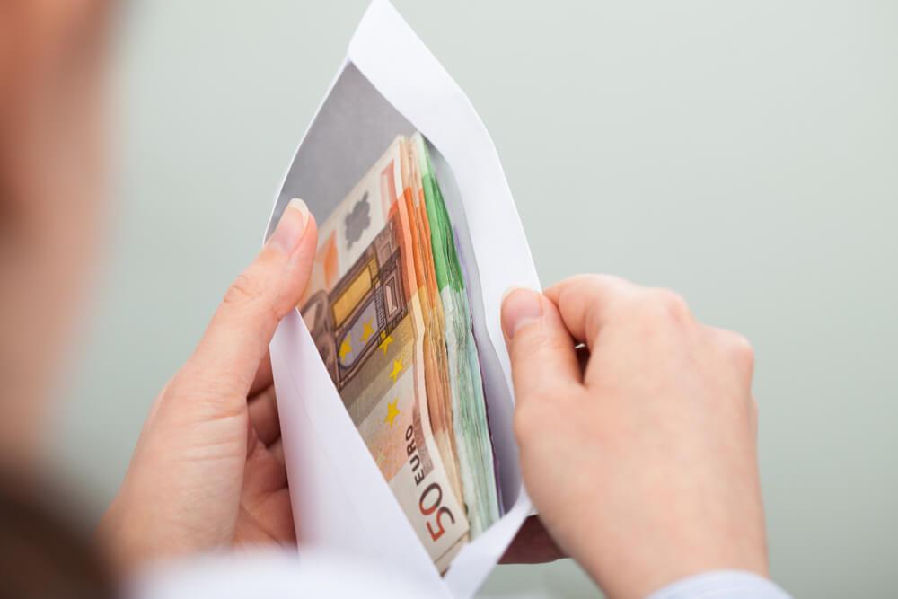 Rahat kirjekuoressa