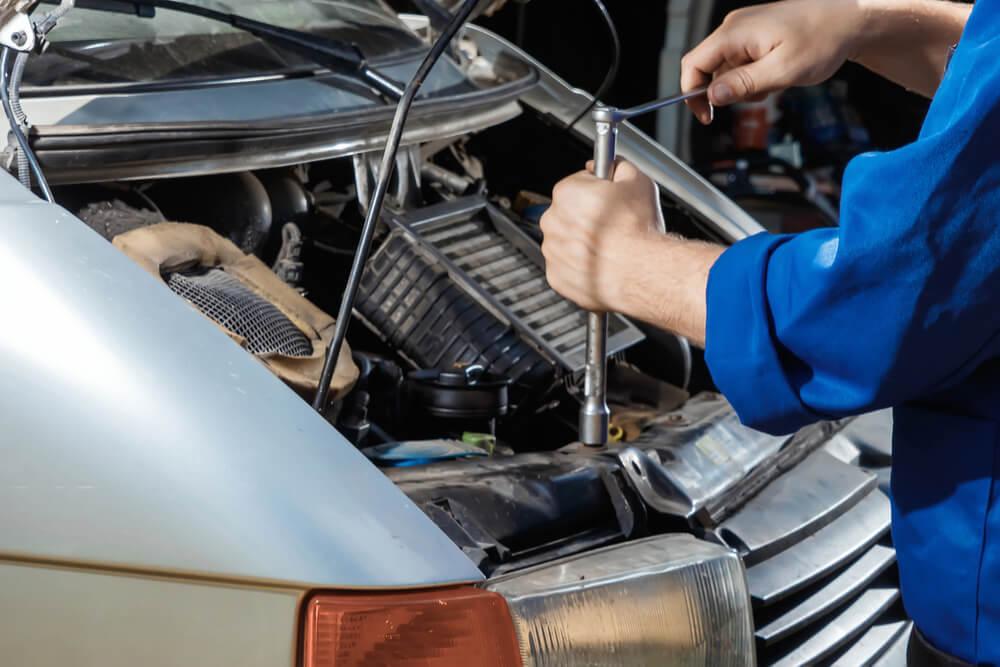 Auton korjausta lainarahalla